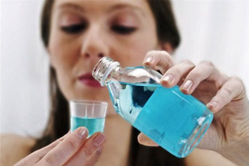 Nước súc miệng trị viêm họng thông tin từ A đến Z 1