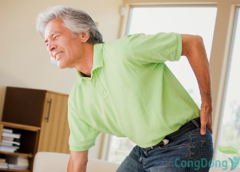 Nguyên nhân đau lưng không cúi được