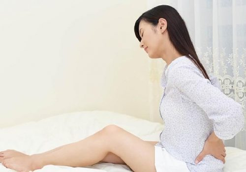 đau thắt lưng khi mới mang thai