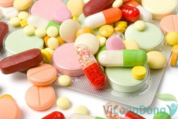 Dùng thuốc tây y chữa đau dạ dày cho trẻ