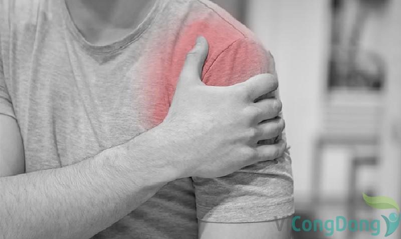 Triệu chứng trật khớp vai