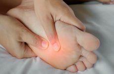 Tê tay chân khi ngủ