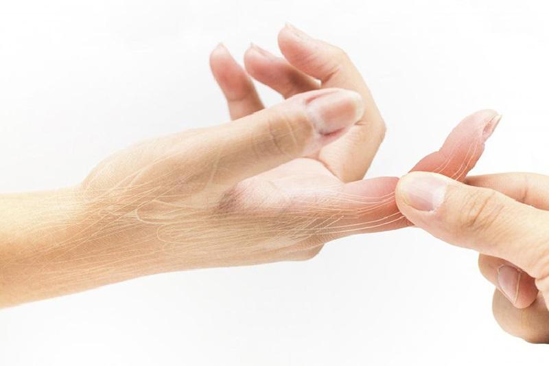 Đau khớp ngón tay trỏ